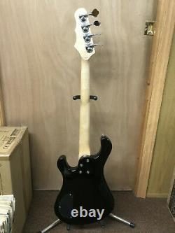DEAN Hillsboro JR Junior 4-string 3/4 size short BASS guitar NEW Black B-stock