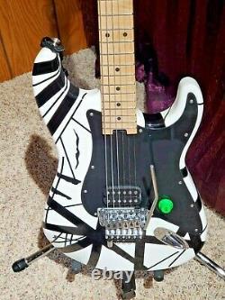 EVH Striped Series Black & White Guitar 6 string electric guitar DEAD MINT