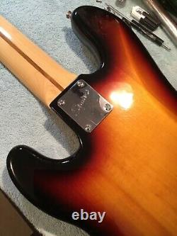 Squier Fender Vintage Modified Precision 5 String Bass Maple Neck Seymour Duncan